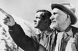 An der Seite von Horst Buchholz, Uschi Glas oder Gritt Boettcher prägte er das Bild des feschen Österreichers. Hier mit Luis Trenker (r.) in einer Szene des Films Sein bester Freund aus dem Jahr 1962.